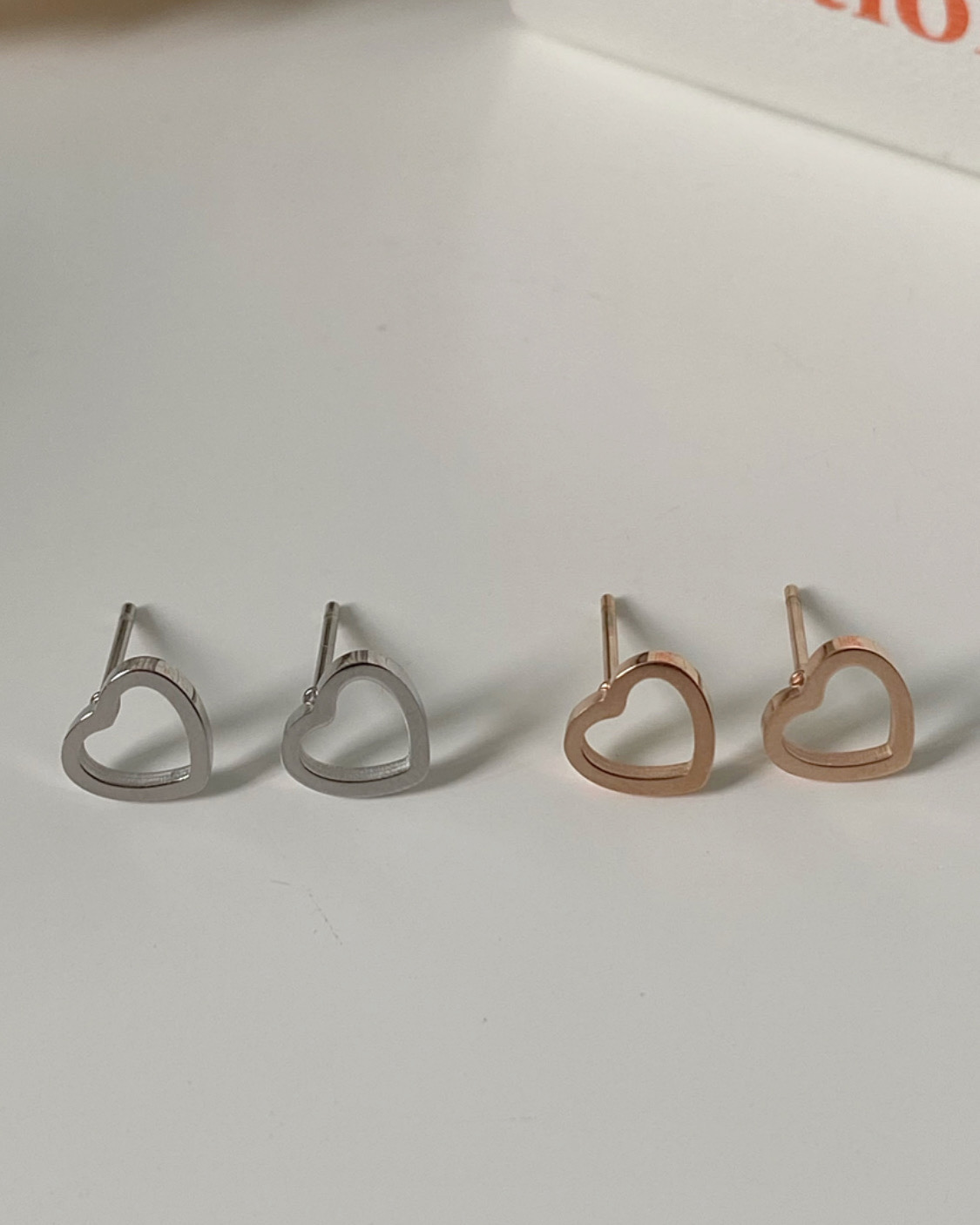 [써지컬스틸] steel heart earring (2 color)
