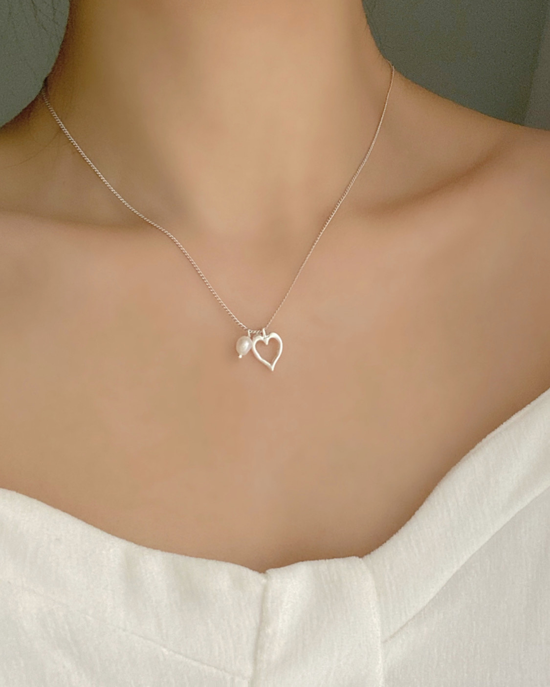 [담수진주] heart latte necklace (2 color)