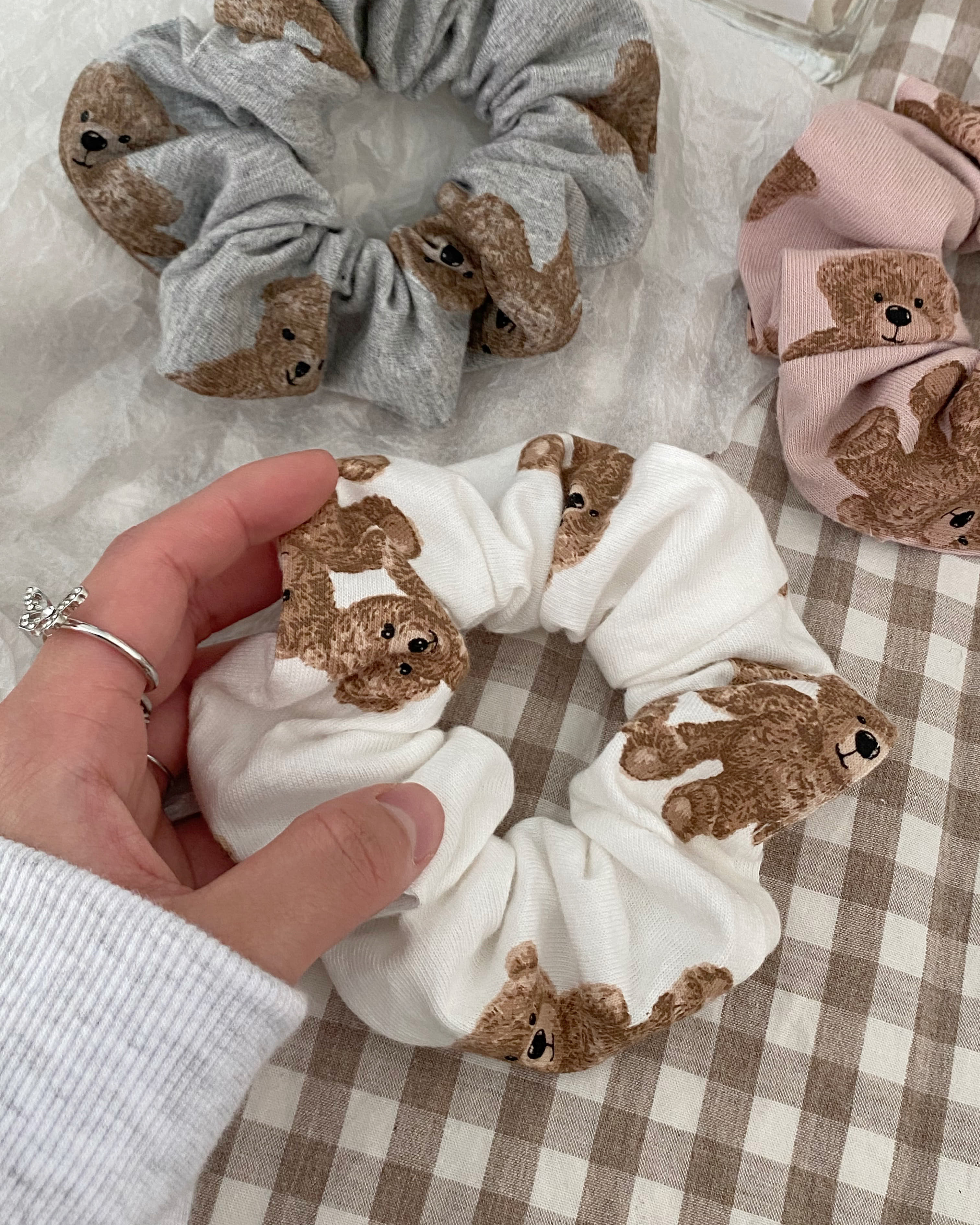 sleep bear scrunchy (3 color)